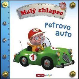 Malý chlapec Petrovo auto